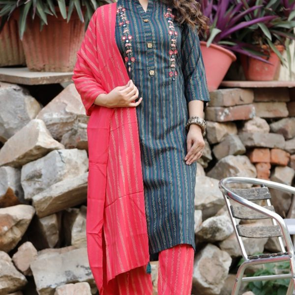 Pour Femme Blue Printed Kurta With Red Printed Plazzo Set062
