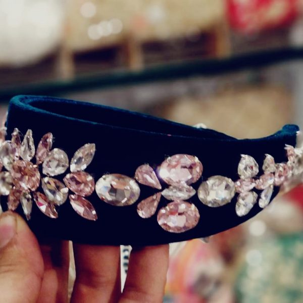 POUR FEMME Premium Quality Special Customised Stone Work Hairband0135