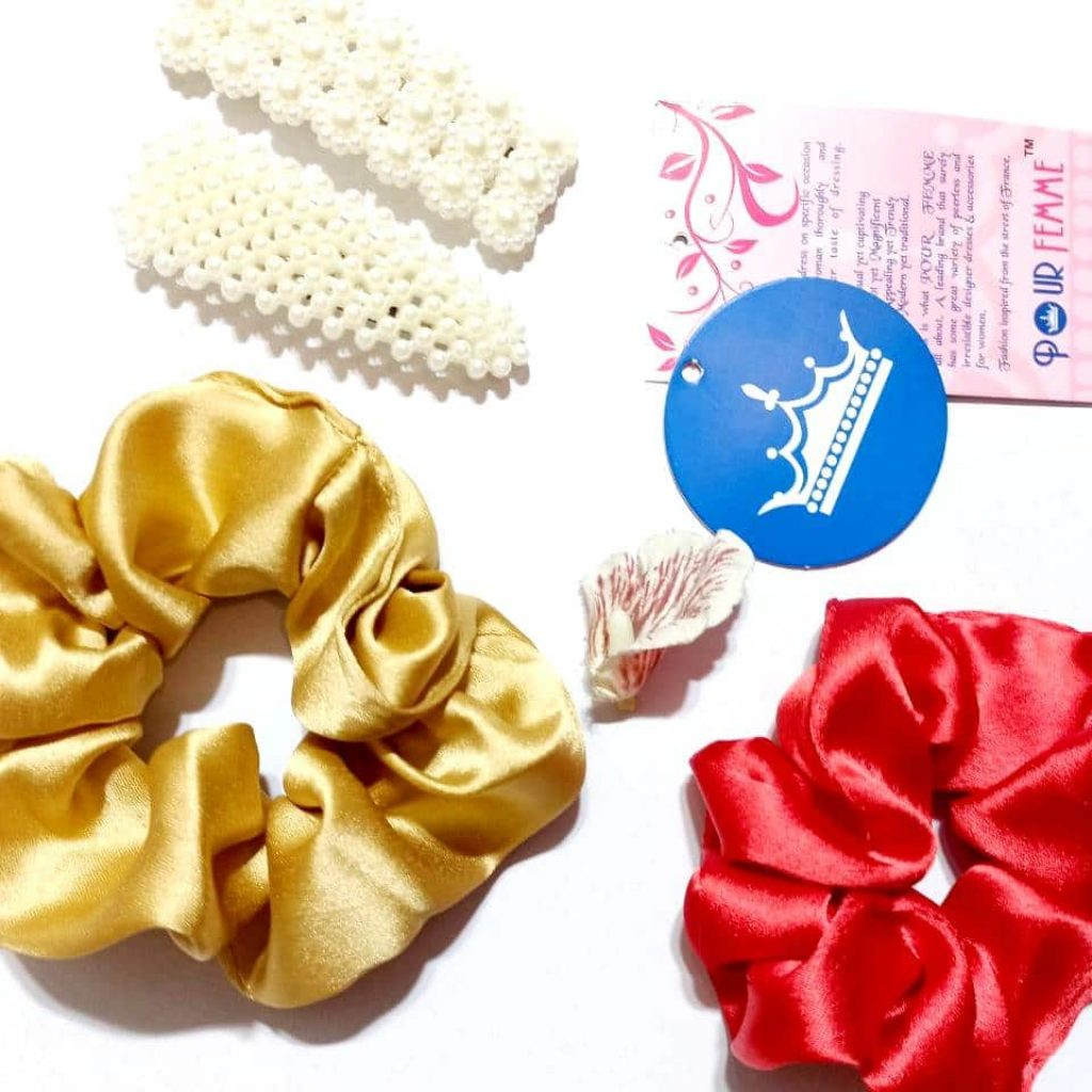 Pack of 4 ( Two scrunchies and Two Hair clip)
